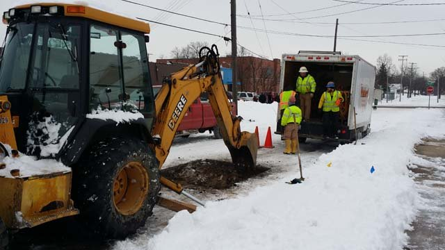 Community activists hire group to dig out lead service lines on E. Alma (Source: WNEM)