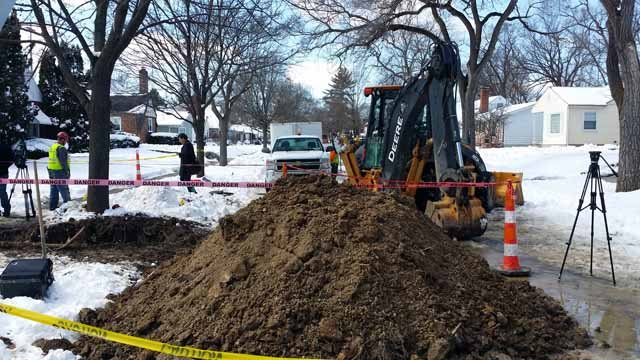 Crews replacing the first lead service line in Flint (Source: WNEM)