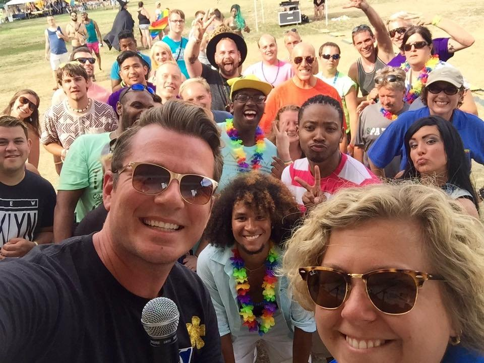 """Emcee David Custer asked the audience to take an """"Ellen-style"""" selfie from the stage."""