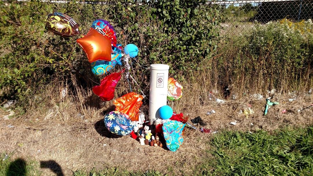 A memorial was set up for Keyshawn Abraham. (Source: WNEM)