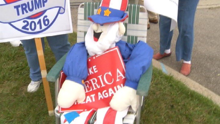 A flash mob was held by Donald Trump supporters in Saginaw.