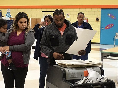 Voters at Arthur Eddy in Saginaw (Source: WNEM, Nov. 8 2016)