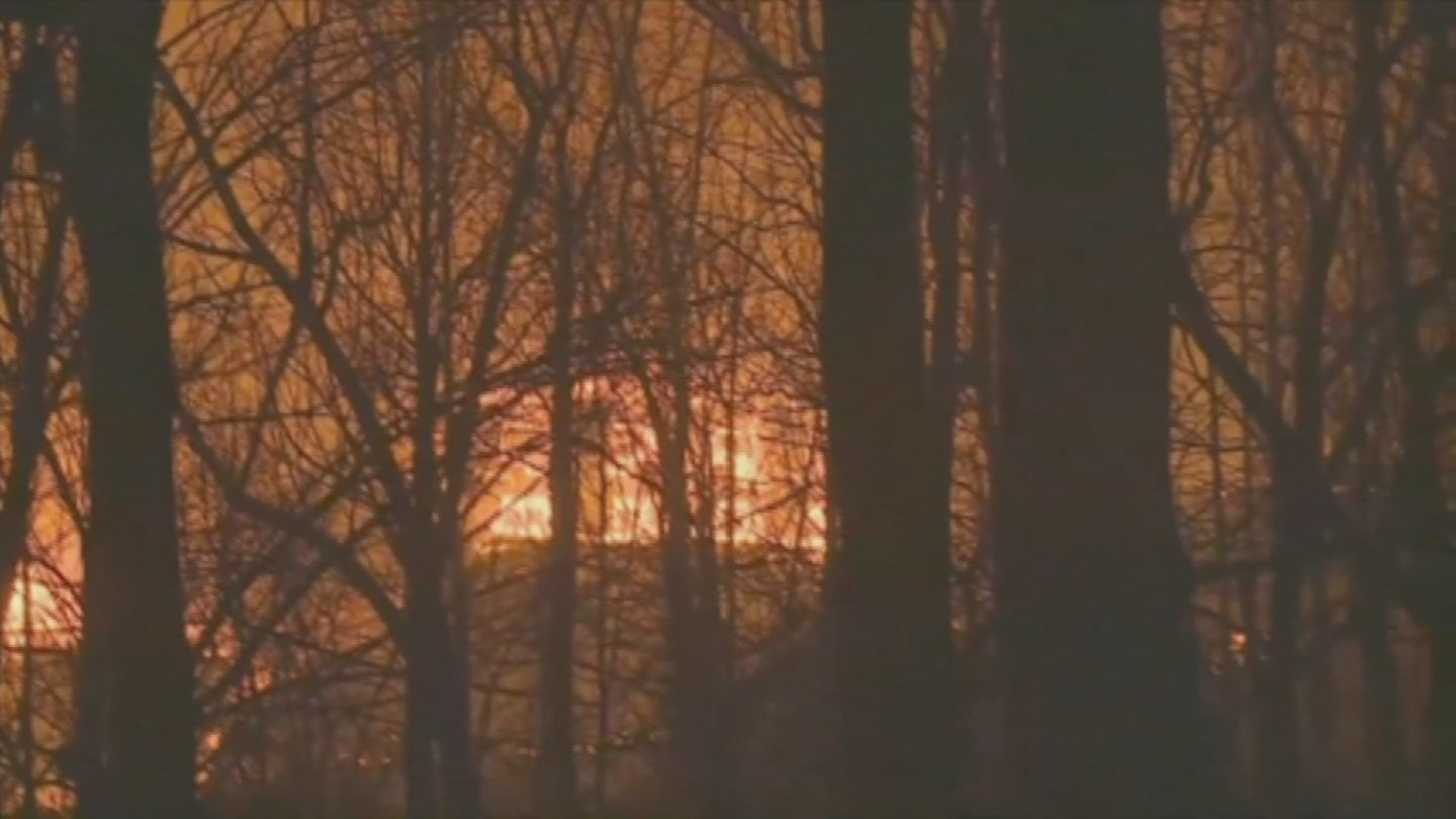 Man's wife, daughters missing after wildfires break out in Tenne - FOX5 Vegas - KVVU