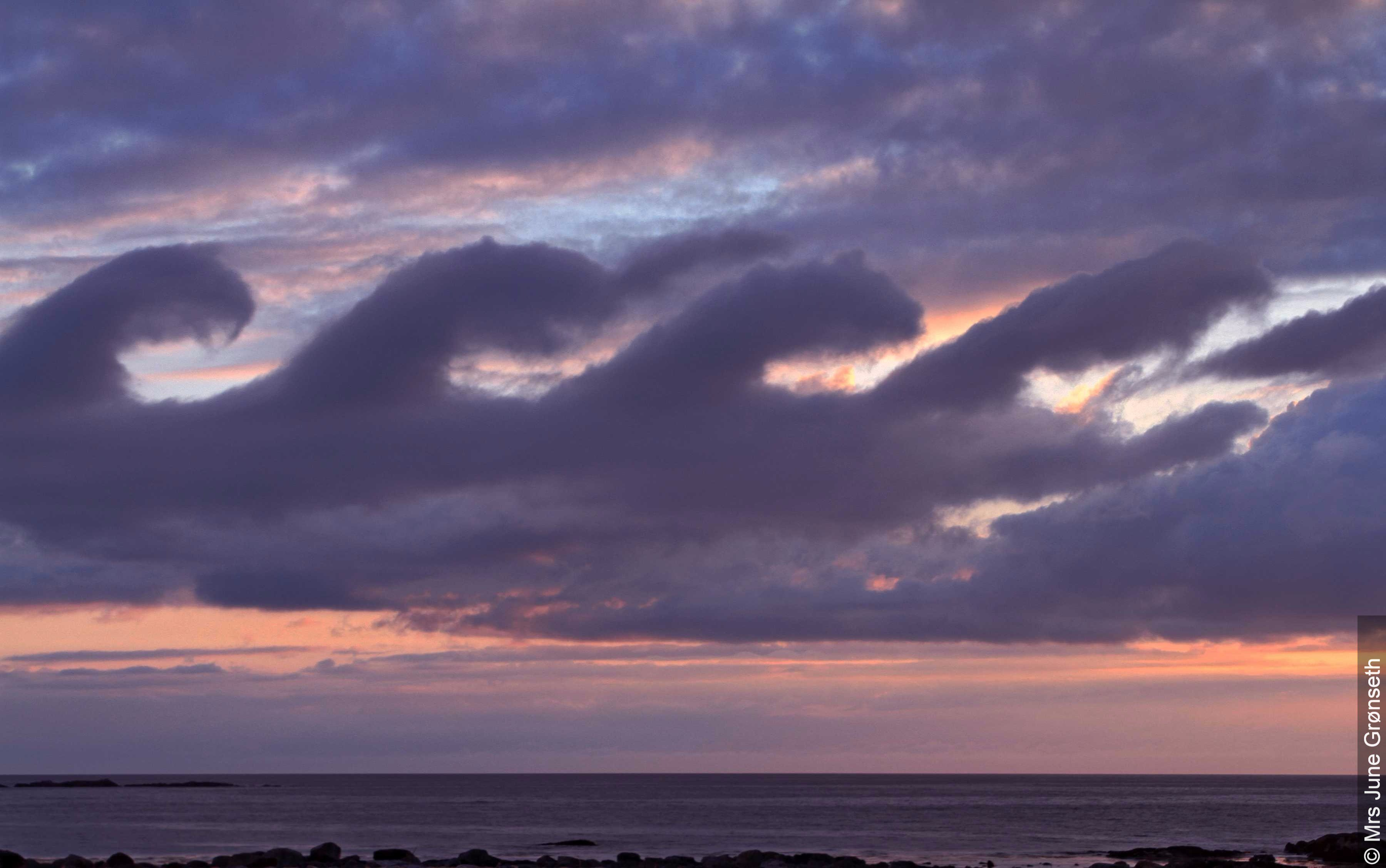 Fluctus (Kelvin-Helmholtz) clouds. Photo by Mrs. June Gronseth, provided through WMO.
