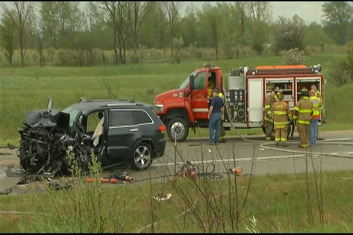 2 dead after crash involving wrong-way driver in Michigan