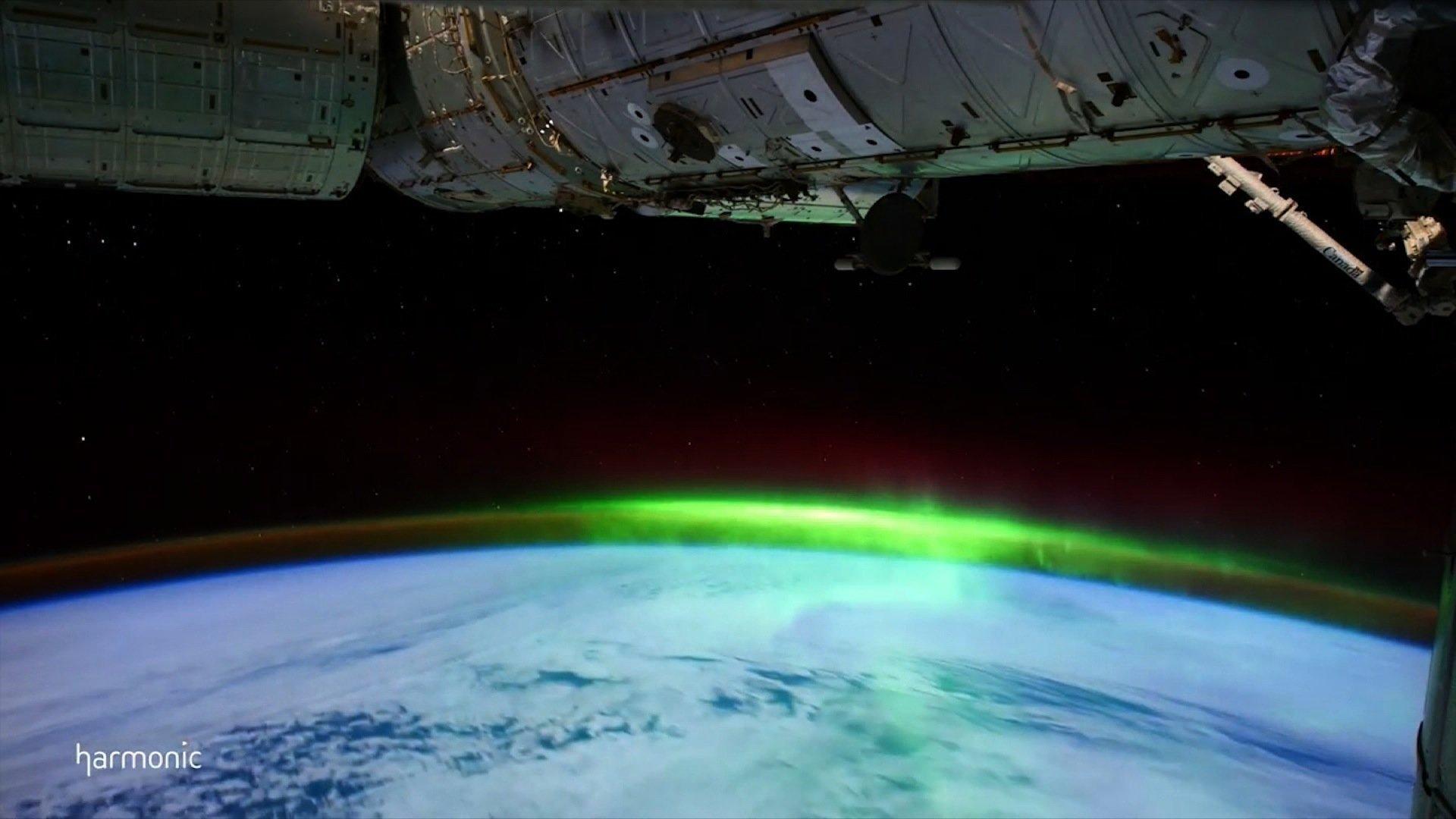 NASA has released a video shot in space of the Aurora Borealis and Aurora Australis phenomena (Source: CNN)