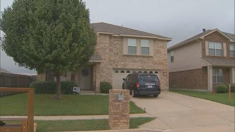 Baby found dead in car seat inside walk-in closet - WNEM TV 5