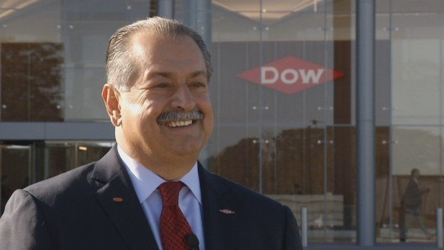 DowDuPont Executive Chairman to step down April 1