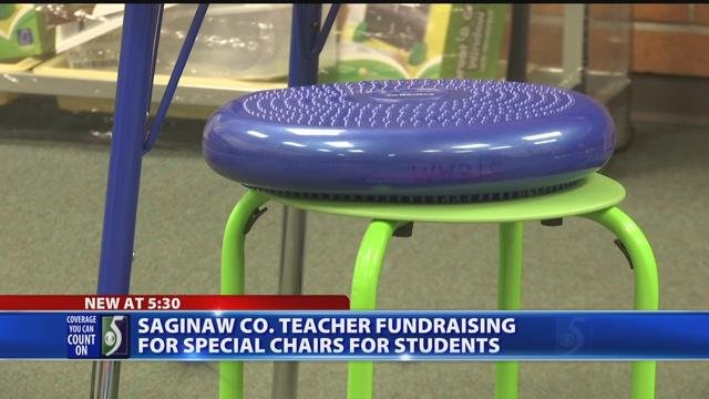 Video: Elementary teacher raises money for new classroom chairs