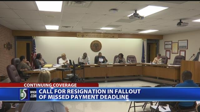 Video: Saginaw School board meeting gets heated following missed payment