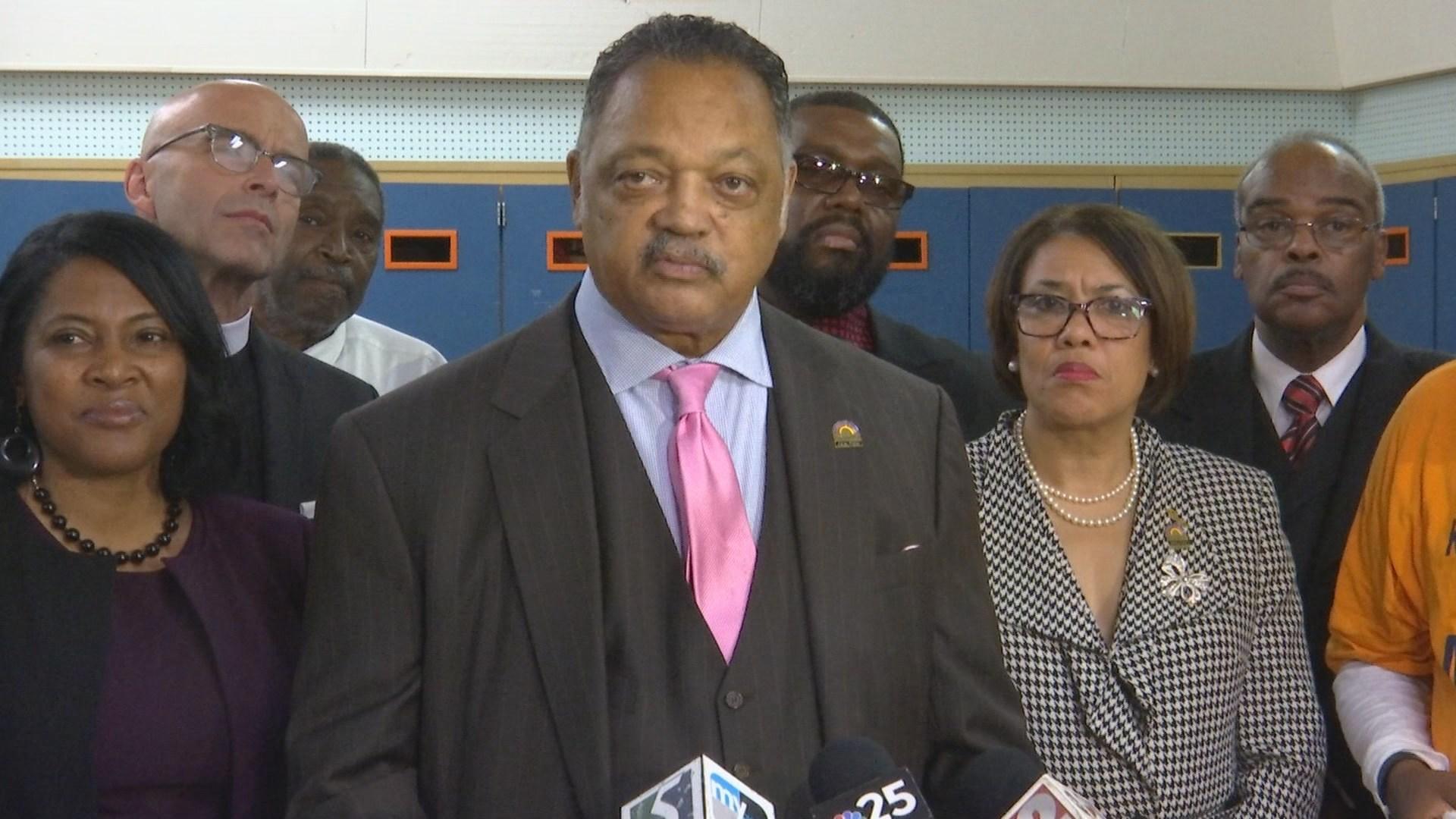 Incumbent Weaver survives recall, remains Flint's mayor