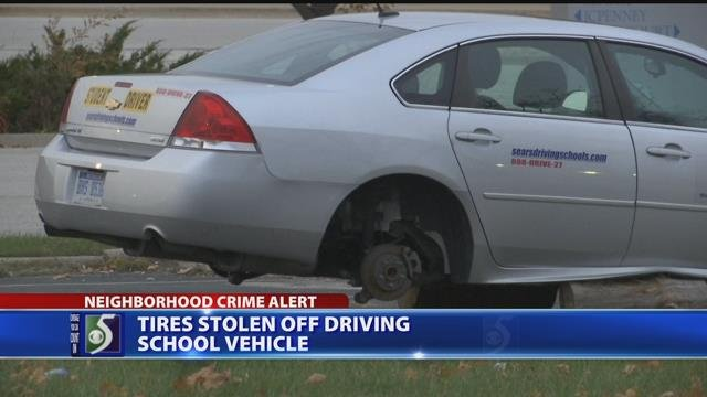 Video: Thieves steal tires from drivers training car