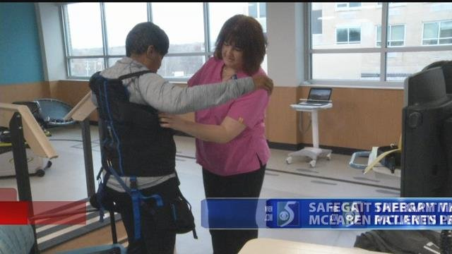 Video: New therapy machine helps patients learn to walk again
