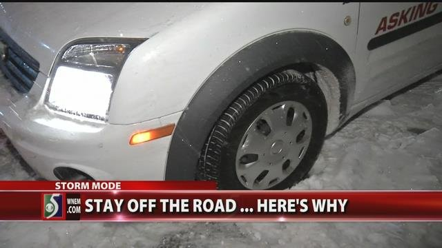 Video: The Road Warrior gets stuck... covering snow-covered roads