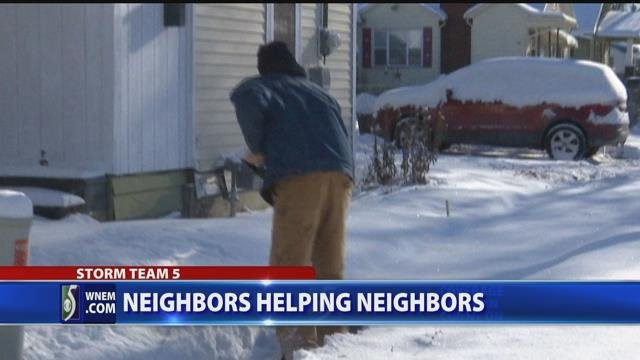 Video: Man shovels neighbors' driveways free of charge