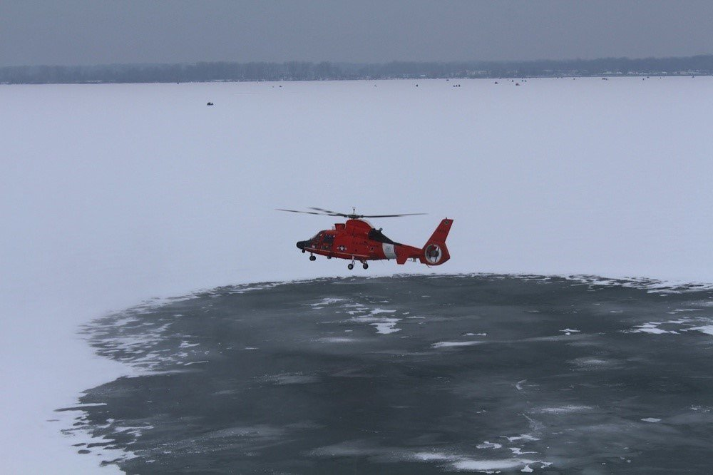 Six anglers rescued from floating patch of Lake Erie ice