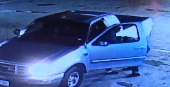Caught on Camera: Navy veteran fights carjacker in Texas