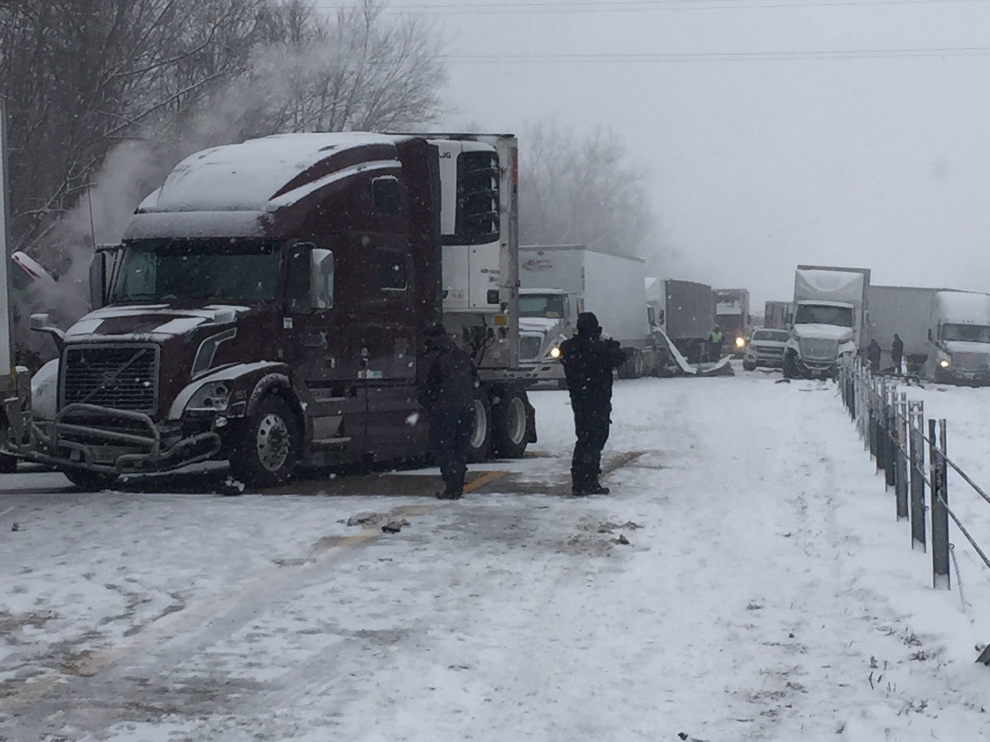 29 vehicle pile-up closes WB I-94 in Van Buren County