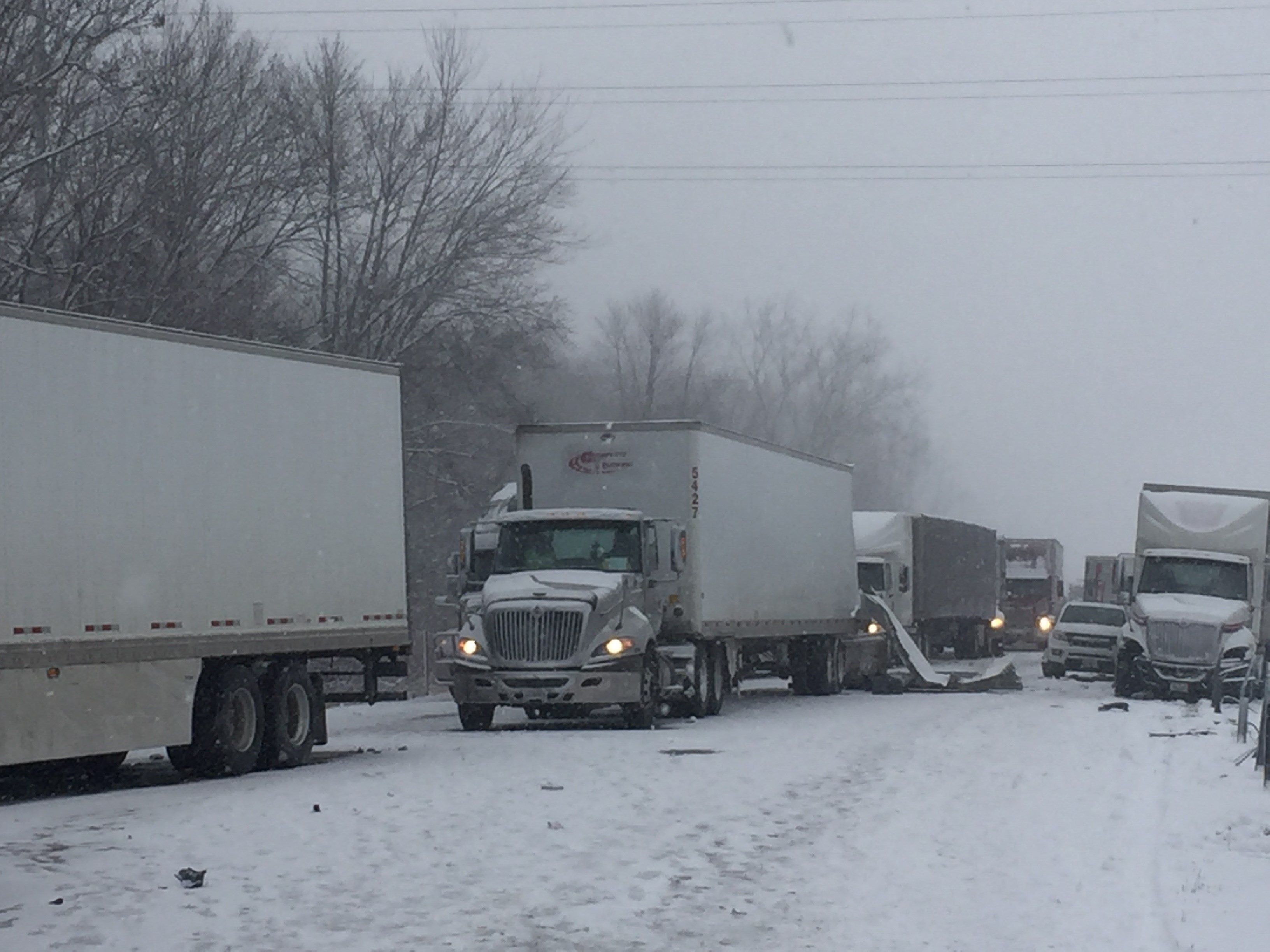 WB I-94 in Van Buren Co. reopens after 29-vehicle pileup