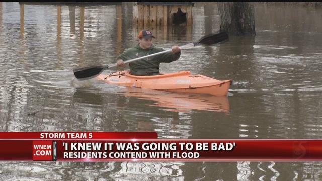 Video: Gladwin resident turns flooding into fun