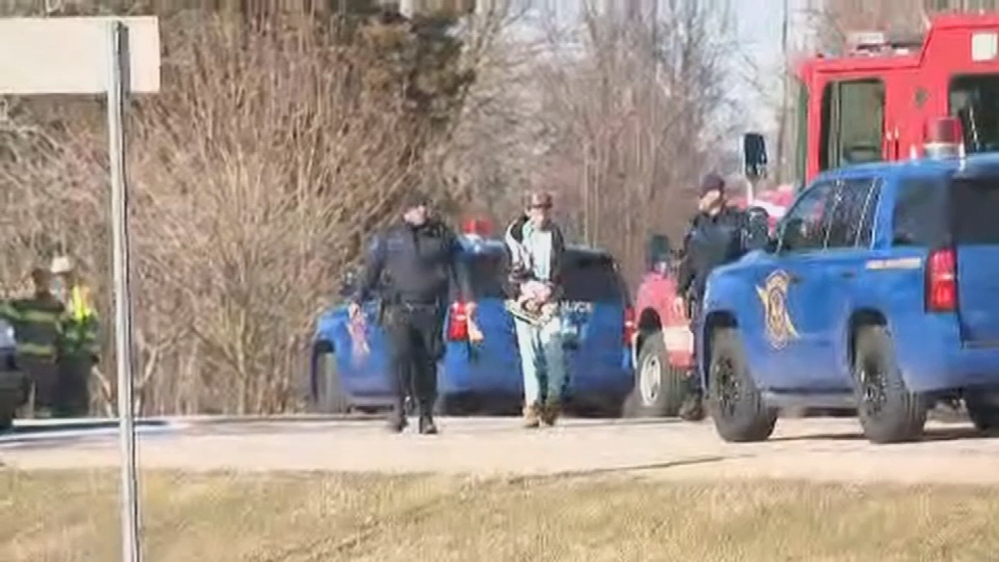 IN husband and wife lead police on chase spanning two states