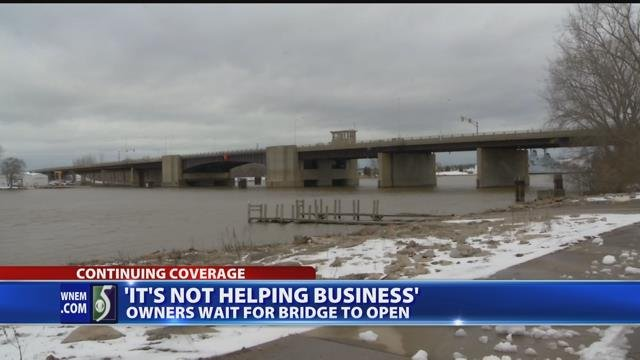 Video: Independence Bridge still not open, 'not good for business'