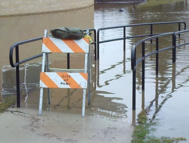 A photo showing the amount of flooding in Alma.