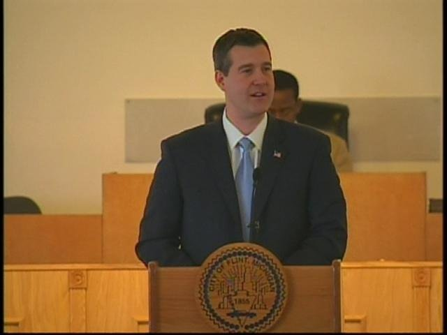 Flint Mayor Dayne Walling