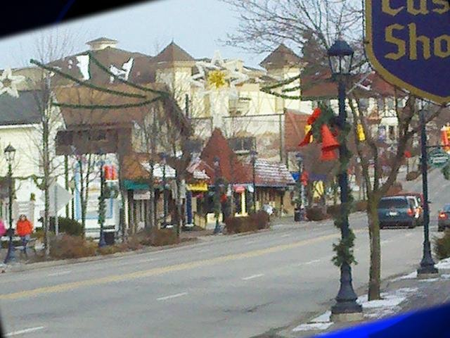 Mid-Michigan town named to most amazing Christmas towns list ...