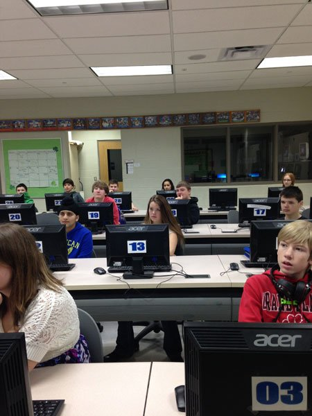Tv5 visits grand blanc east middle school for Grand banc tv